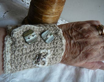 cuff bracelet for cb bank note or handkerchiefs
