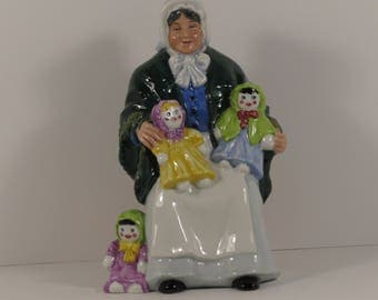 """1st Quality Vintage Royal Doulton Figurine """"The Rag Doll Seller"""" HN 2944 in Pristine Condition!"""