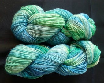 "100 g skein hand-dyed sock yarn ""Impression in green"""