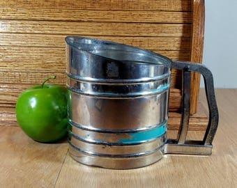 VINTAGE SIFTER Foley Flour Sifter Rustic Kitchen Utensils Country Farmhouse Kitchen Retro Decor Turquoise Stripe Mid Century