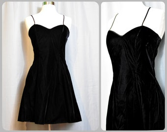 Jessica McClintock Gunne Sax Black Velvet Mini Dress