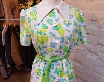 70s dagger collar blouse. UK size 14
