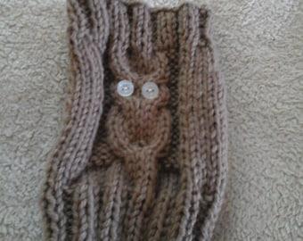 Brown owls woolen mittens