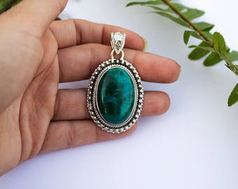 Chrysocolla Pendant, Natural Stone Pendant, Green Stone, Healing Crystal Necklace, Sterling Silver Chrysocolla Pendant, Chrysocoĺla Jewelry