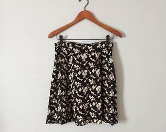 20% OFF SALE... CORSET Tie back mini skirt // flounce floral skater mini skirt