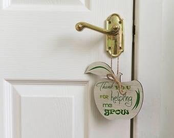 Teacher gift / gifts for teachers / wooden apples / a great teacher / Personalized teachers