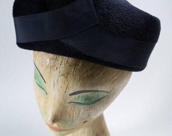 vintage hat / 1950s vintage hat / 50s hat / vintage navy hat /