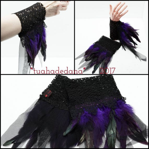Arm warmers gothic lace with tassels and feathers / cuffs lace feathers