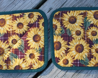 Hand Made Sunflower Pot Holders  --  Stitched corner to corner for that quilted look (2)