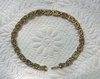 Classic MONET Vintage Braided Gold Tone Metal Necklace