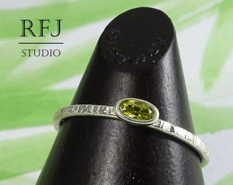 Oval CZ Peridot Silver Textured Ring, Stacking August Birthstone Sterling Ring Oval Cut Simulant Peridot Ring Oval Green Cubic Zirconia Ring