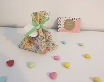 Small boxes or bags of sweets liberty Betsy yellow
