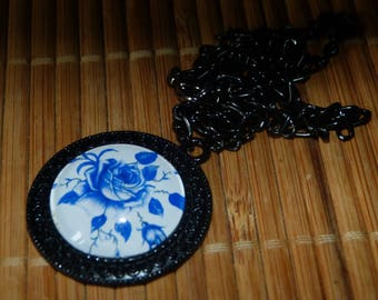 Chinese flower cabochon pendant