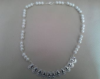 Choker style necklace Pearl silver colerete beads