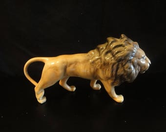 Large Beswick Lion in great detail