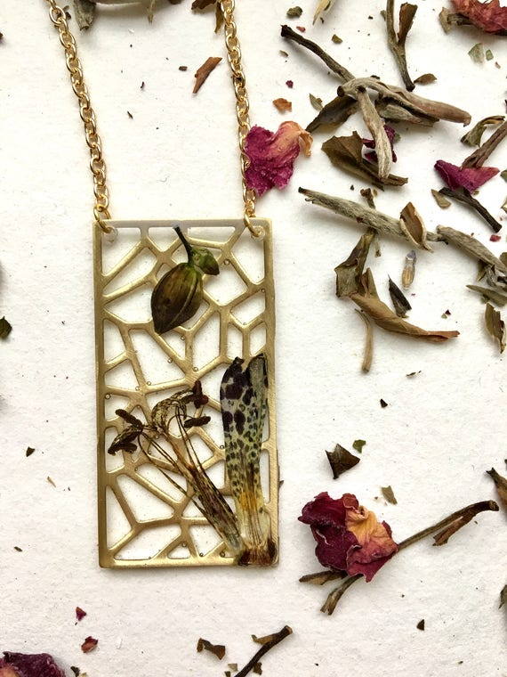 Toad lily flower filigree brass necklace