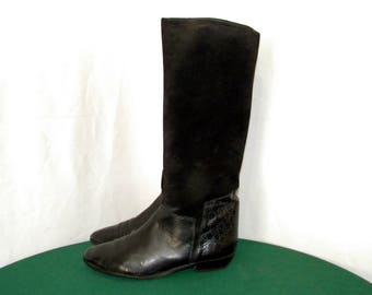 Sz 8.5 Women Vintage tall black leather and suede 1980s flat riding boots.
