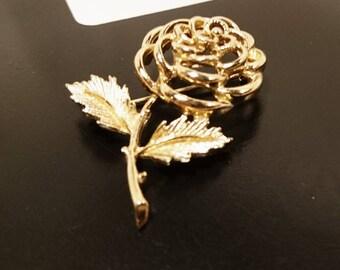 Vintage gold metalwork rose brooch, vintage ladies flower brooch, gold flower brooch