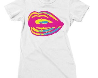 violent pink and yellow lips tee