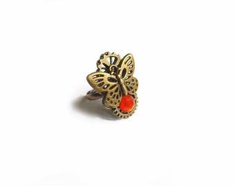 """Bague réglable steampunk engrenage strass rouge et papillon, """"Un trésor de papillon"""""""