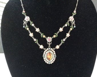 Avon NR Necklace and Earring Set