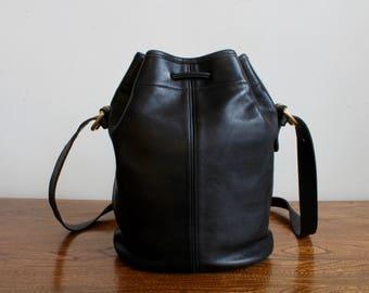 Classic Black Leather Coach Purse, Drawstring Bucket Bag, Shoulder Bag, Saddlebag, Saddle Bag, Satchel Bag, Designer Vintage 80s 90s Fashion