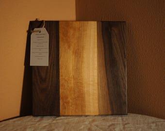 CB03 - Custom-Made Cutting Board 9x9 WALNUT/MAPLE