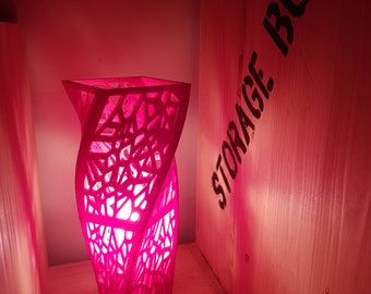 Lamp in Voronoi
