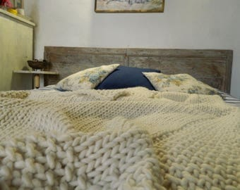 Chunky Knit Blanket. White Wool Throw Blanket. Hand Knitted  Alpaca Afghan. Handmade Housewarming gift. Gift for Her.  Valentine's day gift.
