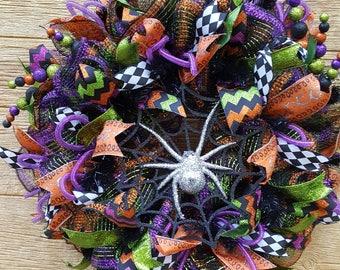 Halloween wreath/Spider wreath/Halloween decor/spider mesh wreath