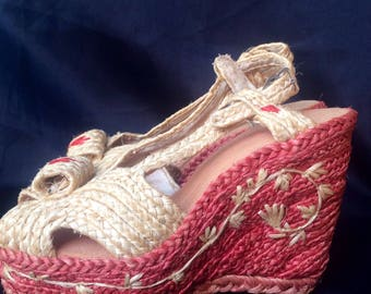 1940's carmen miranda!  Peep toe wedgge rafia sandals.