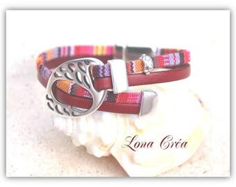 Leather strap and red tones - fancy silver zamak loop fabric