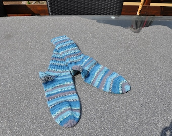 Handknitted socks size 38/39 in various light blue / turquoise / brown tones