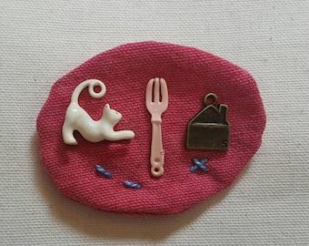 Handmade brooch/Fabric brooch/Baby brooch/Children's brooch/Cat charm brooch/Kitty brooch/Charm brooch/