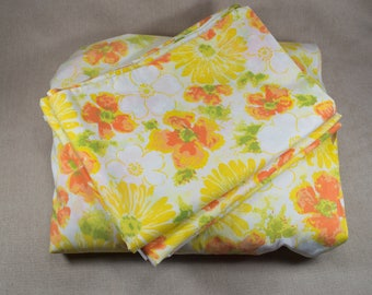 Vintage Double Sheet Set, Fitted Sheet and Two Pillowcases, Orange, Yellow, and Green Flowers 509