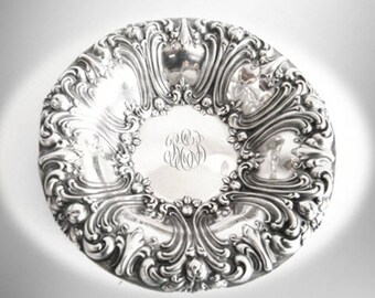 Frank Whiting ornate sterling silver repousse medium serving bowl