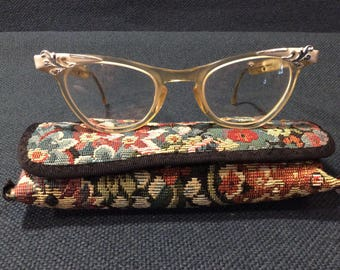 1960's vintage Shuron cat eye prescription eye glasses, in great condition with case