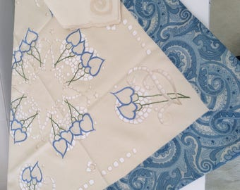 90 * 90 with 4 napkins square embroidered tablecloth