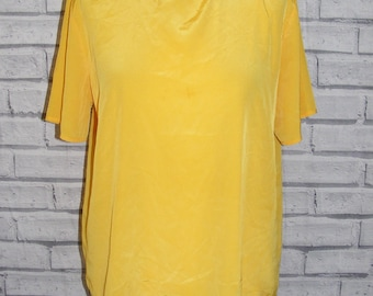 Size 14 vintage 80s loose fit short sleeve keyhole blouse silky yellow (HY84)
