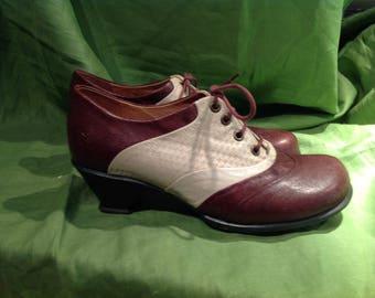 John Fluevog Spectator Pumps Brown/Cream Size 10