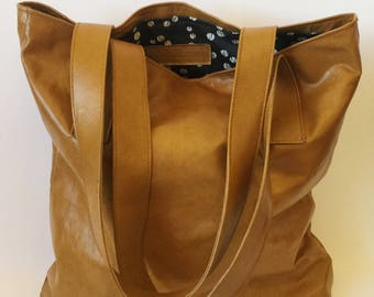 Classic simple leather tote