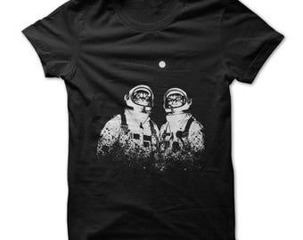 Cat Shirt - Cat Astronauts T Shirt - Cat Lovers TShirt - Astronaut Cats Tshirt - Cat Lover Gifts - Unisex - Cat Gifts - Sml-3X - 6 Colors