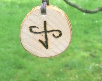 Chain, wood, love symbol