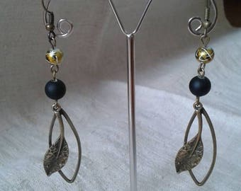 Earrings bronze leaf and Pearl