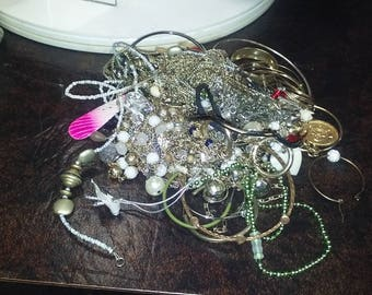 Junk Jewelry Lot / Costume Jewelry Lot / Crafter Jewelry Lot