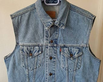 Levi's Vintage 90's size XL sleeveless denim jacket