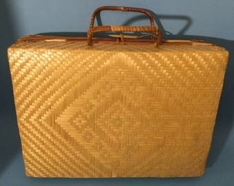 Vintage Weaved Straw Picnic Suitcase/ Basket/Purse