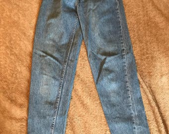 Vintage Levi's 501 ladies size 28 high waisted Canada made rare jeans!