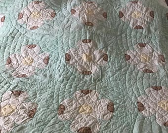 36X60 Full Size Hand Made Vintage Quilt, Quilt For Repurpose, Vintage Flower Quilt, Quilt,all Cotton Quilt