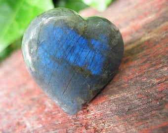 Labradorite heart specimen for collection or jewelry, L1